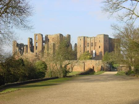Kenilworth Castle keep and gatehouse